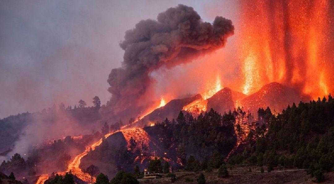 Los Registradores se ponen a disposición de los ciudadanos afectados por la erupción del volcán de la isla de La Palma.